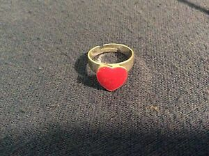 Pink love heart ring Tolland Wagga Wagga City Preview