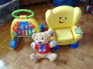 Jouet Fisher price, marcheur, chaise, ourson musical.