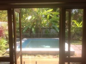 Funky Beach Cottage Machans Beach Cairns City Preview