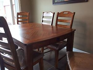 Dining Room Set/Buffet For Sale