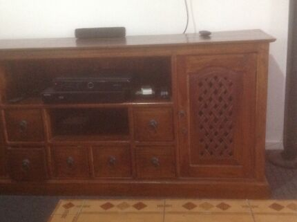 Balinese style entertainment unit