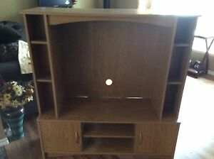 FREE      TV Entertainment Center