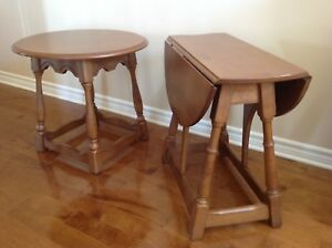 2 tables  bases 'ronde', style coloniale, collection Vilas