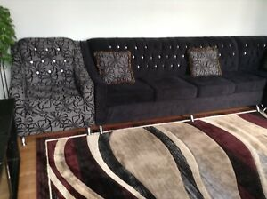 SECTIONAL SOFA WITH ACCENT CHAIR