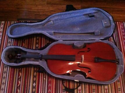Cello Cremona 4/4 full size w/ bow and case - great condition