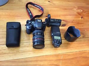 fullset canon 7d +lens 24-70mm+speedlight+canon grip and more Bundoora Banyule Area Preview