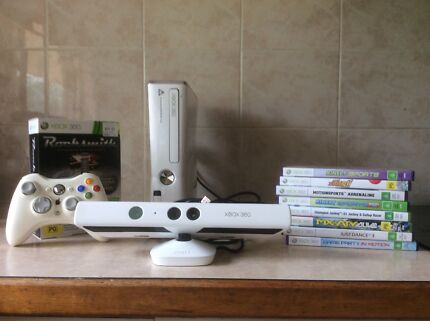 Xbox360 with Kinect 9 games