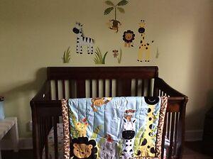 Ensemble meubles et déco pour la chambre bébé-275$