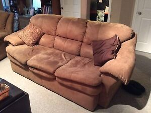 Couch/love seat/ recliner set