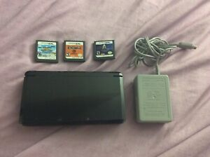 Nintendob 3DS With Games and Adapter