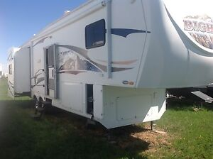 5th Wheel Travel Trailer for sale.