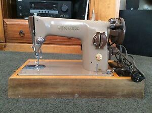 1950's SINGER SEWING MACHINE Geeveston Huon Valley Preview