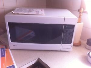 LG microwave oven 1100w MS3446VRW Wallaroo Copper Coast Preview
