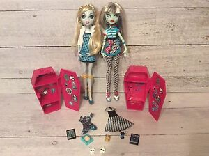 Monster High School Themed Set- Frankie and Lagoona