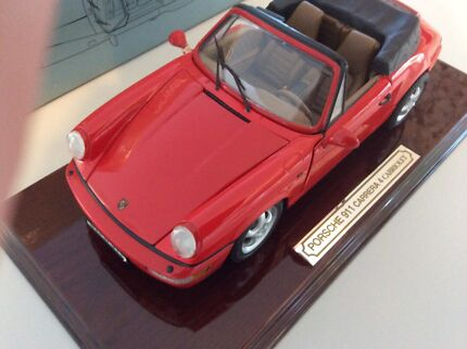 ANSON RED PORSCHE 911 CARRERA 4  CABRIOLET 1:14 DIE CAST METAL
