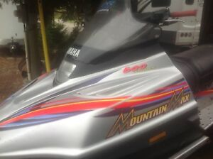 2000 Yamaha Mountain Max 600 cc triple with tilt trailer