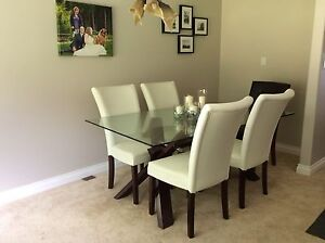 6 Seater Glass Top Dining Table with 6 Leather Chairs