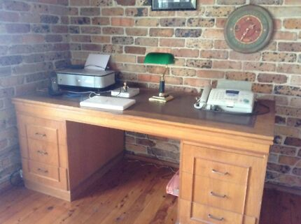 Large office desk Arcadia Hornsby Area Preview