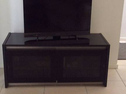 Black TV  Entertainment Unit Carina Heights Brisbane South East Preview