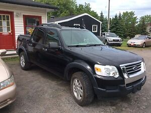 2007 extra clean Ford Sportrac xlt