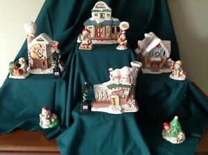 Vintage Santa's Lighted Village 12 Pc Hand Painted Porcelain Set