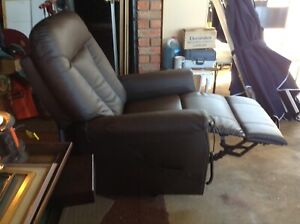 Recliner lift chair, electric