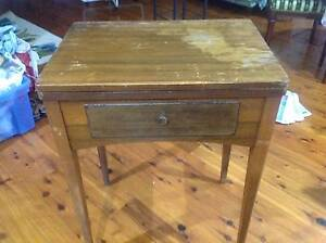 antigue singer sewing machine Oakdale Wollondilly Area Preview