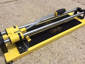 20 inch Tile Cutter almost new