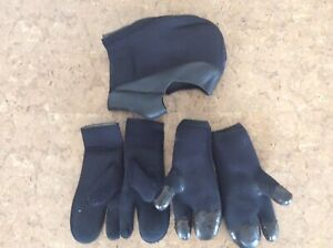 Scuba drysuit gloves, mitts and hood