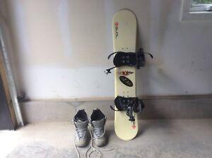Planche à neige et bottes//Snow Board and boots