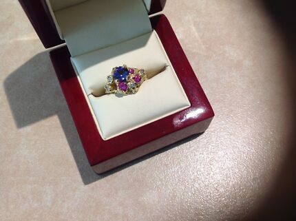 Tanzanite, Sapphire & Diamond 18 carat solid gold ring.