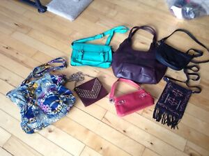 VARIETY OF PURSES/BAGS