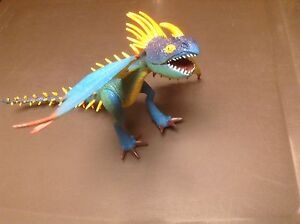 Jouet figurine Dragon Stormfly How to train your dragon