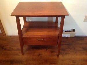 Mid century modern end table/night stand