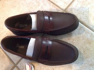 Bass Weejuns' Mens Size 9.5   - Brand new, tags still on