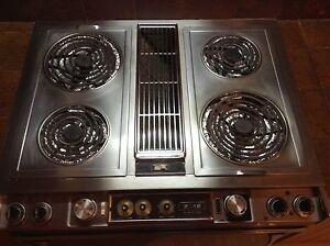 Cuisinière Jenn-air modèle 88370-c