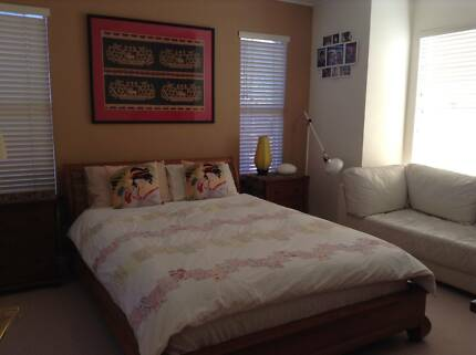 Single Room Available Western Suburbs - Short Term Holiday Stay