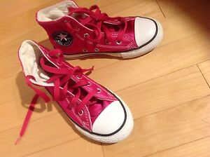 Girls Converse - size 12 - great condition