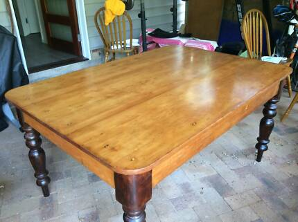 Pine table and chairsDining TablesGumtree Australia Brisbane