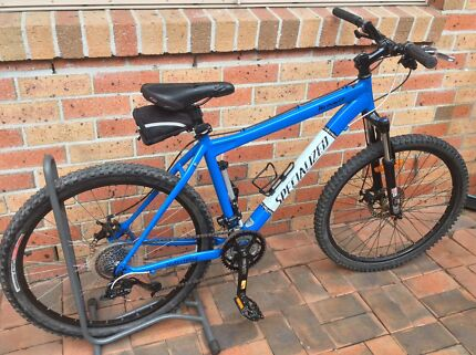 MOUNTAIN BIKE SPECIALIZED DUEL DISK BRAKES 26 inch