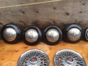 Caps de roues antique