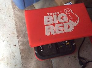 Big red roller seat