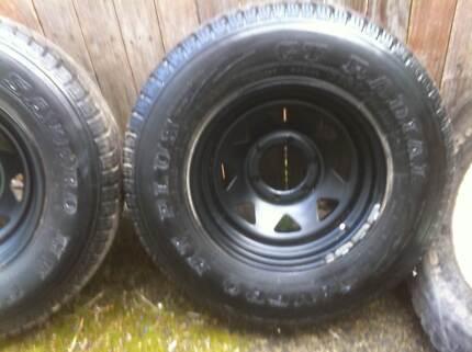 Toyota Hilux sunraiser wheels