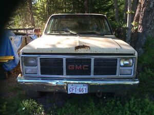 For Sale 1987 GMC 1 ton single wheel crew cab for parts