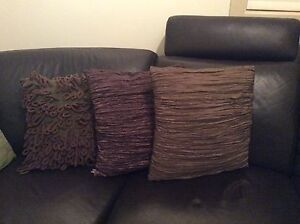 3 cushions Wattle Grove Liverpool Area Preview