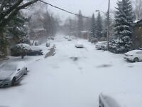 Commercial and residential snow removal services/ Déneigement
