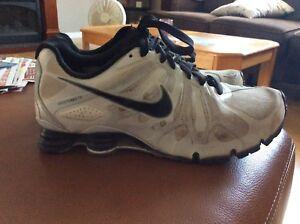 Nike shocks size 10 (used)