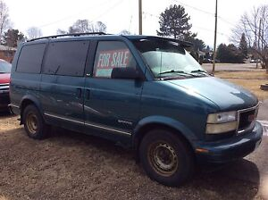 CHEAP!!  1998 GMC Safari minivan