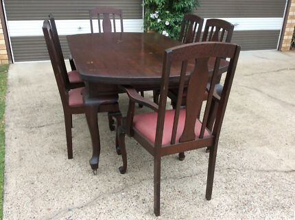 Silky Oak Dining Table And Chairs
