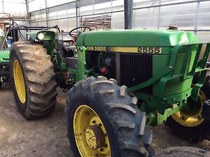 2555 John Deere tractor with front end loader